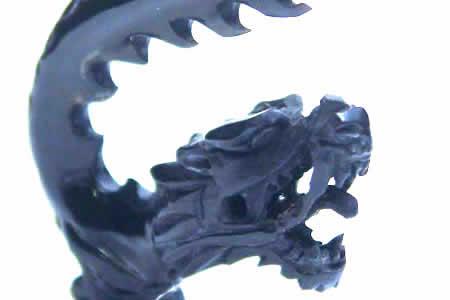 ブラックドラゴンホーンピアス 2G 0G 00G 2ゲージ 0ゲージ 00ゲージ 竜 龍 ボディピアス 水牛 角 バッファロー 金属アレルギー対応 メンズ レディース インディアンジュエリー 手作り ボヘミアン 黒色 ツノ 立体 3D 面白い オモシロ ハンドメイド おもしろ ユニーク 個性