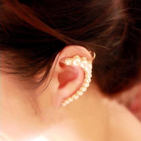 耳 かける ピアス イヤフック ひっかける はさむ 挟む クィーンパール イヤーフックピアス イヤーラップピアス イヤーカフピアス 安心と信頼 初売り レディース おもしろシルバー 銀色 金色 ゴールド 真珠が並ぶ 2次会 20ゲージ 結婚式 耳にかける イヤークリップピアス 女性人気 キラキラ 20G 大人女子 パーティ 入学式 卒業式 真珠 成人式
