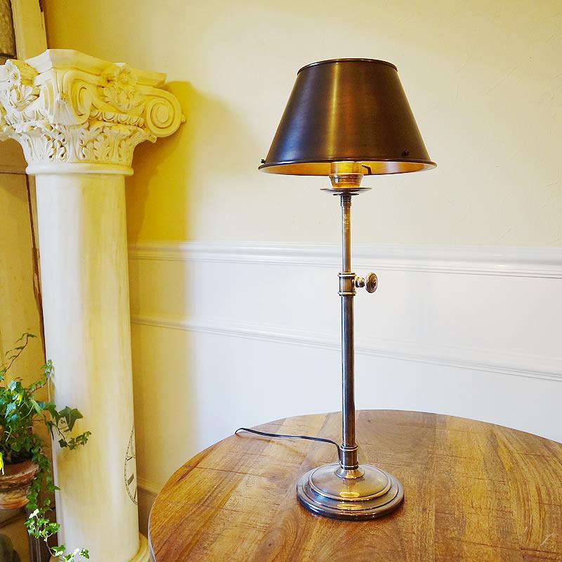 【クーポン配布中】 真鍮製 テーブルランプ1灯【送料無料】ブラスシェード 卓上ランプ おしゃれ 照明器具 雑貨 インテリア ライト クラシック ランプ ヨーロッパ雑貨 アンティーク インポート ヨーロピアン