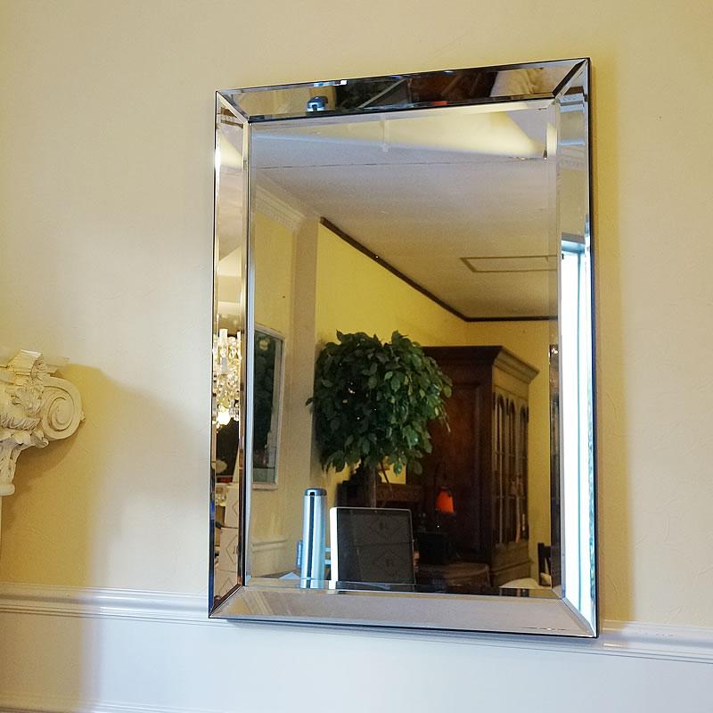 【クーポン配布中】 シンプルモダンスタイル 壁掛けミラー 鏡 面取り(Lサイズ)おしゃれ鏡 アンティーク家具 鏡 壁掛け おしゃれ 鏡 全身鏡 姿見 デザイナーズ 鏡 ベネチアンミラー 鏡 姿見 ミラー 全身 壁掛け アンティーク