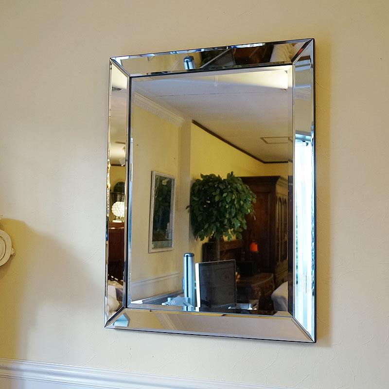 【クーポン配布中】シンプルモダンスタイル 壁掛けミラー 鏡 面取り(Mサイズ)おしゃれ鏡 アンティーク家具 鏡 壁掛け おしゃれ 鏡 全身鏡 姿見 デザイナーズ 鏡 ベネチアンミラー 鏡 姿見 全身 壁掛け アンティーク ミラー 鏡 壁掛け おしゃれ アンティーク 北欧