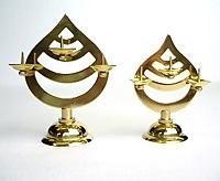 今ダケ送料無料 神棚 訳あり商品 神具 ローソク立 小 真鍮製三宝型