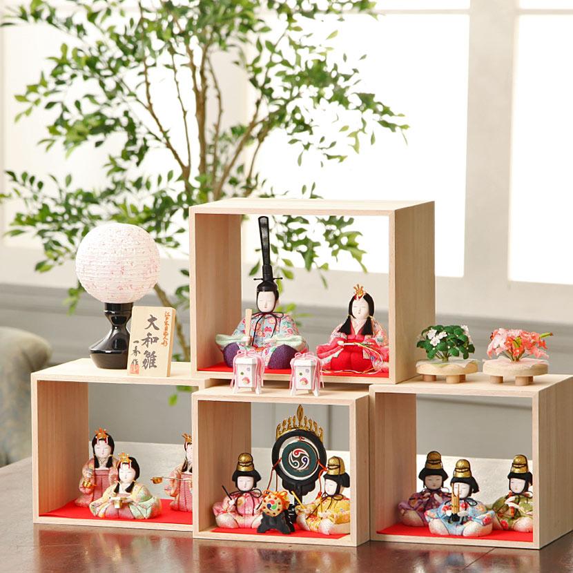 【ご優待割引価格】雛人形 木目込み コンパクト 一秀 枠-WAKU ひな人形