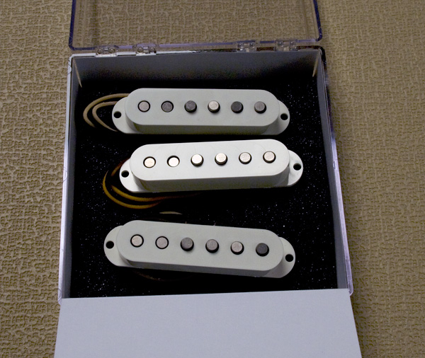 LOLLAR PICKUPS/Vintage Tweed Staggered(Parchment Cover/Set)【お取り寄せ商品】【送料無料】