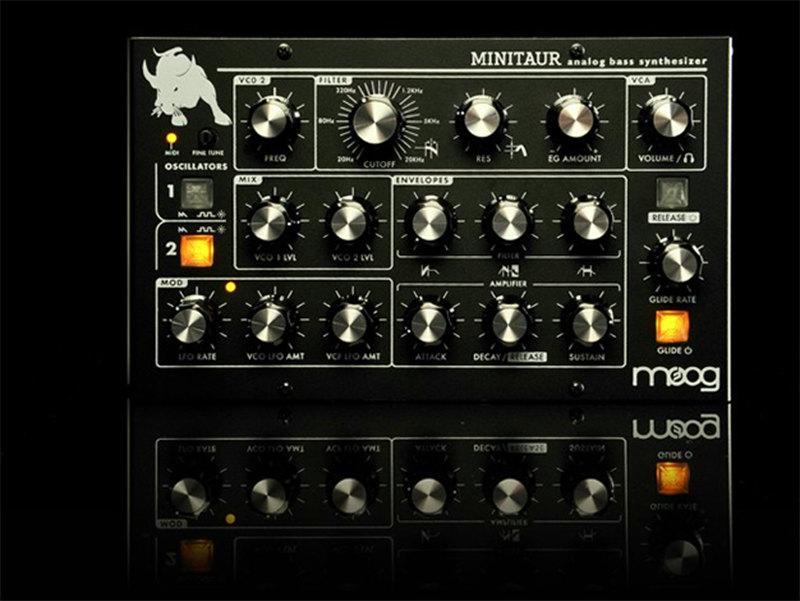 MOOG/MINITAUR BASS SYNTH BLACK