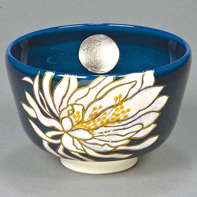 瑠璃釉 月に月下美人図 茶碗