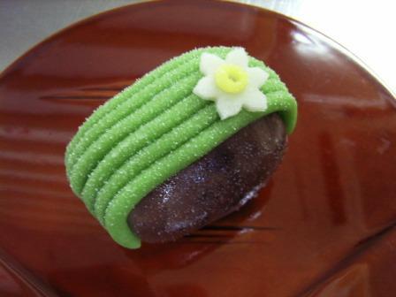 季節の上生菓子 10個入れ 1個35g~40g (ケース入り)