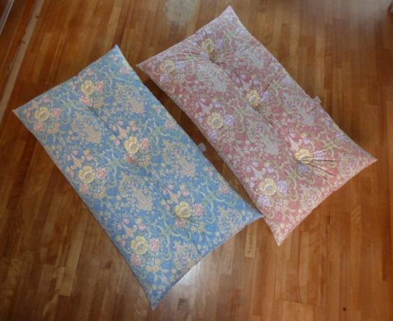 日本製 誕生日 お祝い 中綿増量2.2kg 4層構造の成形機仕立て 長座布団 120x68cm へたりにくい ピンク セール 花柄 ブルー DP-2