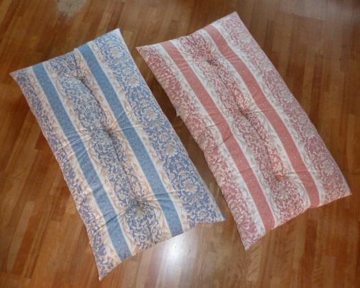 日本製 人気の定番 中綿増量2.2kg 4層構造の成形機仕立て 半額 長座布団 120x68cm ピンク DP-1 へたりにくい ブルー ボーダー唐草柄