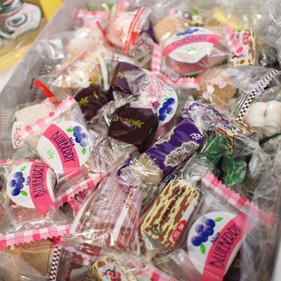 【卸価格】1.5キロ入り お茶の友 金城製菓 8個入り【特価】お茶の友・大量12kg