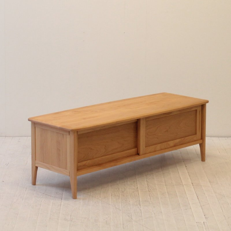 北欧家具 インテリア 無垢材 丸みを帯びたデザインが空間を優しく演出してくれるTVボード