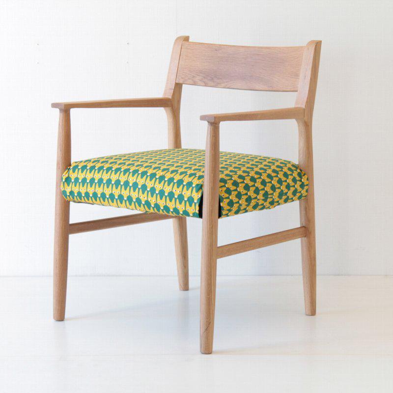 【北欧】北欧家具 椅子 北欧生地 着替えできるチェア ダイニングアームチェア カバーリング オーク キツネ柄