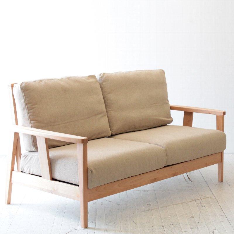 北欧家具 ダイニングソファ 2p 後姿も美しいので部屋の真ん中に置ける2人用ソファ