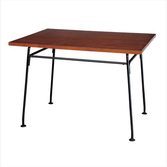 ツヤ消しの黒いフレームがかっこいい小ぶりなテーブル BRESCIA TABLE