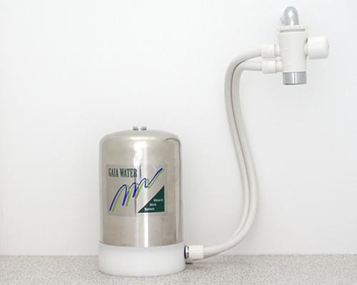 浄水器 ガイアウォーター GAIA WATER/ 浄水器 M-8卓上2WAY【ミネラル水】 塩素/トリハロメタン高性能
