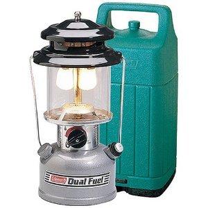 Colemanコールマン ツーマントル デュアルフューエル ランタン Dual Fuel Lantern ケース付 型番:285A748 【 キャンプ アウトドア 登山 山登り 燃料 2マントル 照明 ライト テント 】 送料無料 【並行輸入品】