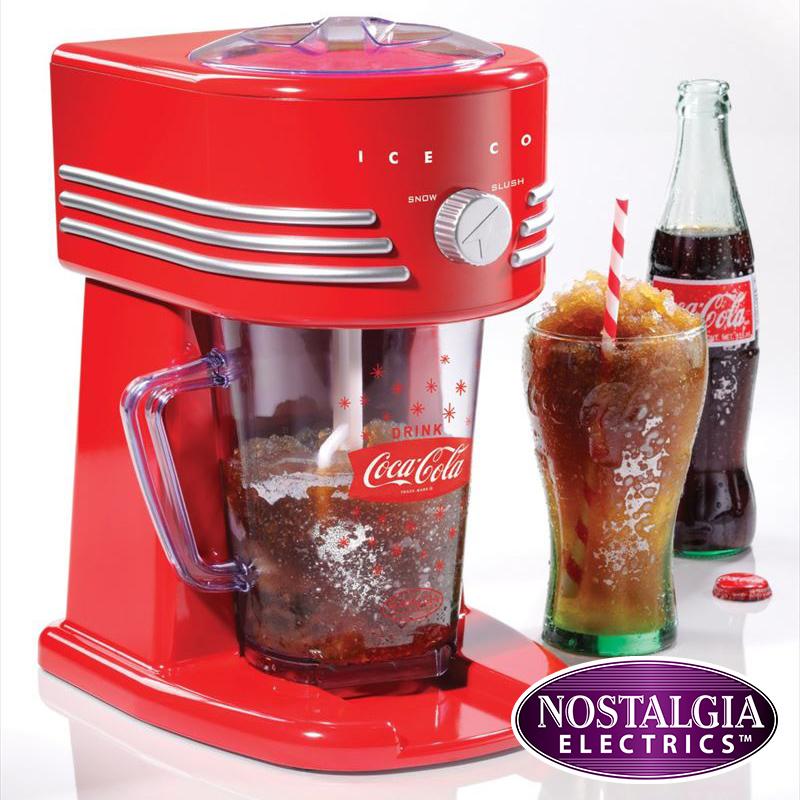 ノスタルジア コカコーラシリーズ フローズンドリンクメーカー Nostalgia Electrics Coca Cola Series FBS400COKE Frozen Beverage Maker 送料無料 【並行輸入品】