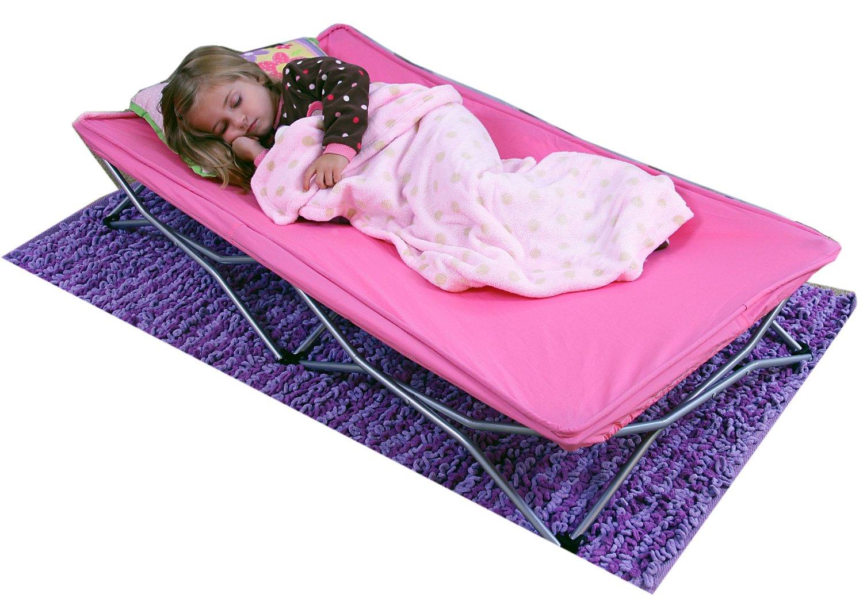 お出かけ先でものんびりできます Regalo レガロ ポータブルベッド ピンク My Cot Portable Toddler Bed 送料無料 キャンプ Pink 海水浴 幼児用ベッド 並行輸入品 レジャー アウトドア 出荷 秀逸 簡易ベッド