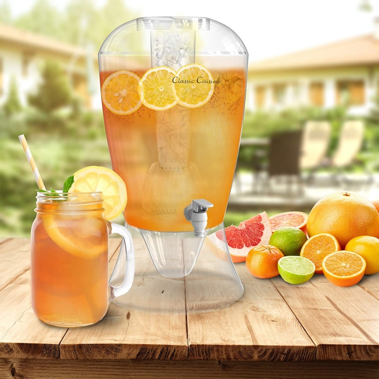 約7.6L ドリンクディスペンサー 2ガロン 2 Gallon Drink Dispenser-BPA-Free, Shatter Proof, with Detachable Stand, Lid, Cooling Cylinder for Ice, and Infusion Bowl for Fruit by Classic Cuisine 送料無料 【並行輸入品】