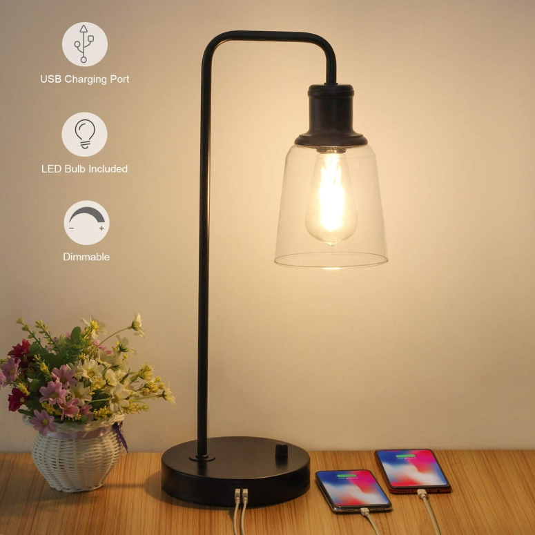 USB チャージポート付き テーブルランプ Industrial Table Lamp, Vintage Nightstand Lamp with Dual USB Ports Antique Office Lamp Glass Shade Metal Desk Reading Lamp for Bedroom, Living Room, Dorm, 6W 2700K Dimmable LED Edison Bulb Incl 送料無料 【並行輸入品】