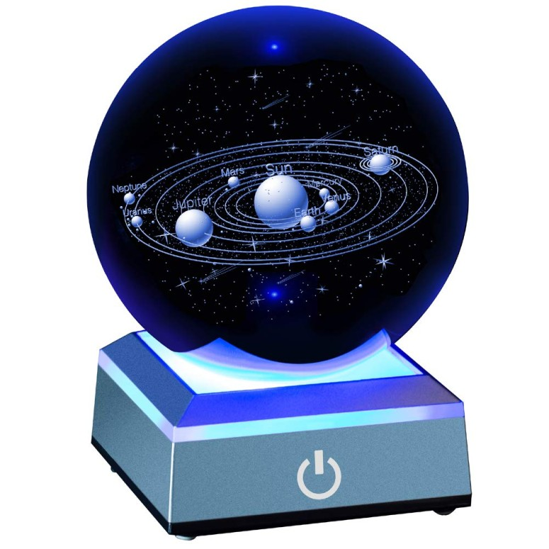 3D クリスタルボール Solar System Crystal Ball 80mm with 3D Laser Engraved Sun System with a Touch Switch LED Light Base Cosmic Model with Names of Various Celestial Bodies 送料無料 【並行輸入品】