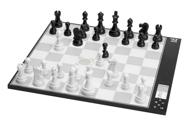 コンピューターチェス 電子チェスセット DGT Centaur- New Revolutionary Chess Computer - Digital Electronic Chess Set 送料無料 【並行輸入品】