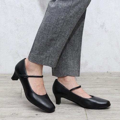 ing PLUS イングプラス 靴 シューズ パンプス レディース フォーマル ストラップ プレーン ブラック 黒 履きやすい 本革 EEE 3E 23.5cm 送料無料