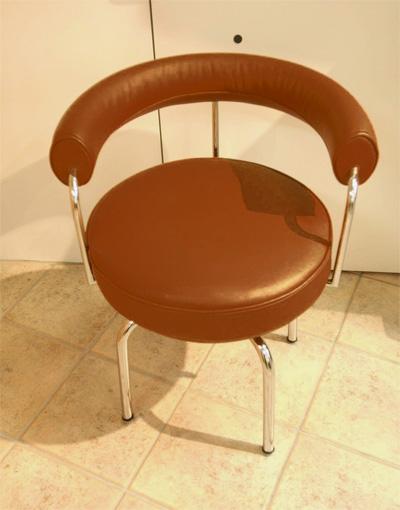 LC7 回転椅子革Bグレードデザイナーズ家具 イタリア製選べる革カラー 失敗しないインテリア 年末インテリア