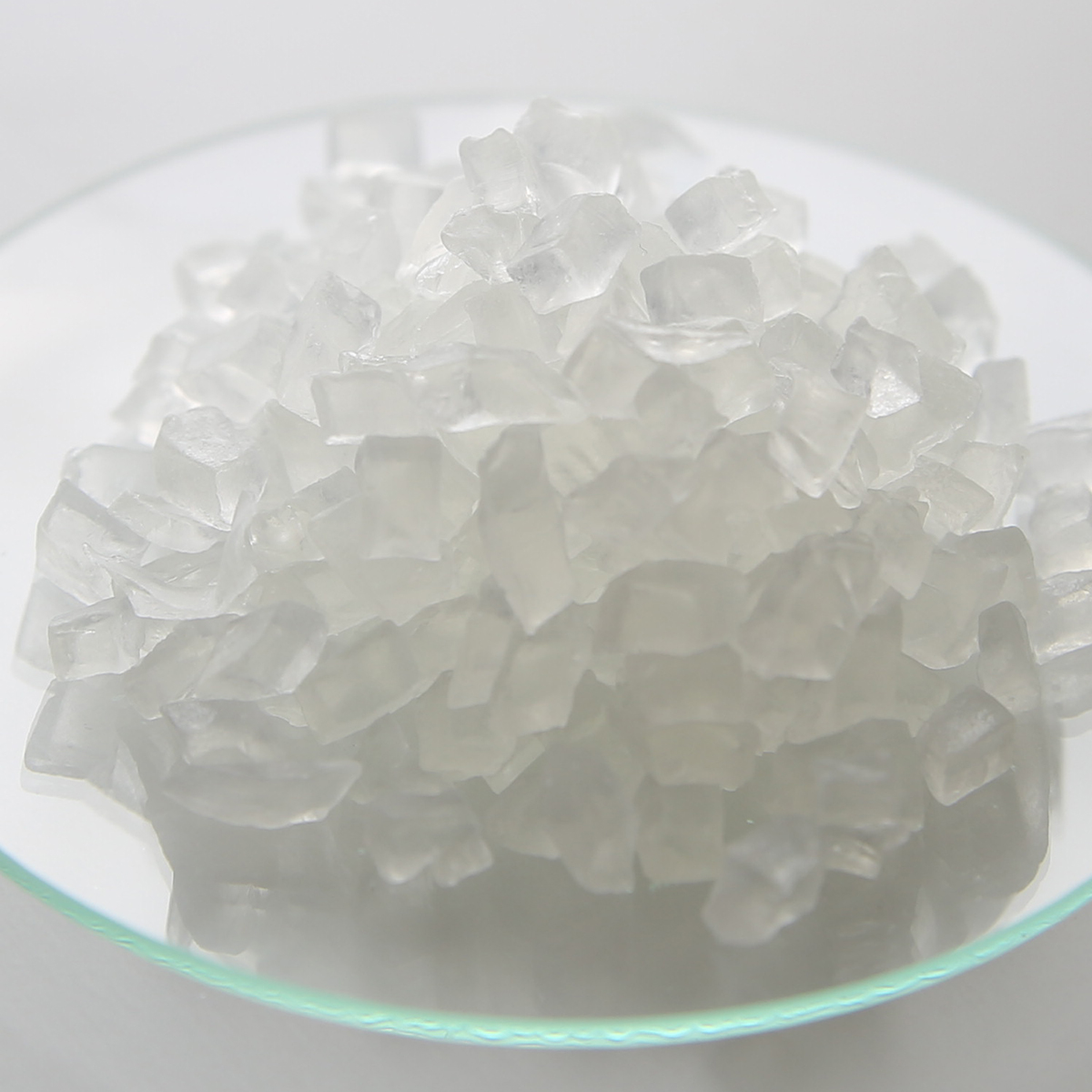 溶かして流し込むだけの石鹸。誰でも簡単に石鹸を手作り。 【送料無料】MPグリセリンソープベース・クリア/25kg【流行のサボンジェム 初心者 お手軽 手作り 透明 石鹸 石けん 原料 材料 素材 ボディ スキンケア 宝石 ハンドメイド】