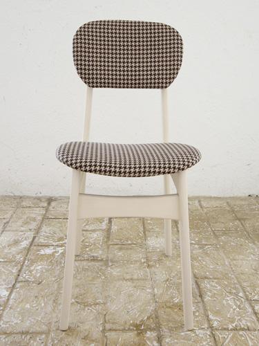 椅子 イス いす チェア チェアー 革 レザーチェア 座面 デザイン 北欧 ナチュラル カントリー パイン材 新生活 インテリア 家具 完成チェア Pin Chair びょう打ち 千鳥格子WH色0666-ch-Pin-HTDWH