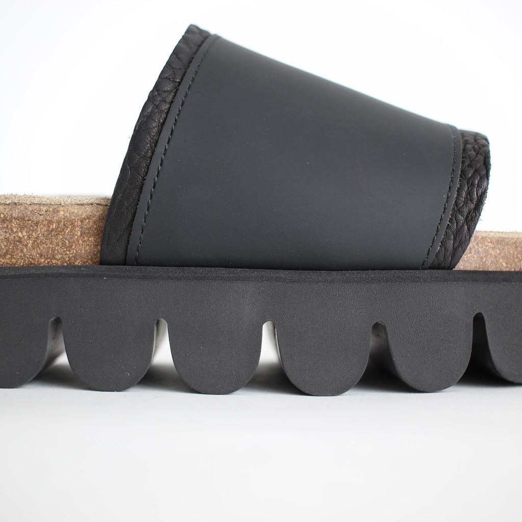Hender Scheme | エンダースキーマ - CATERPILLAR #BLACK [de-s-cat]