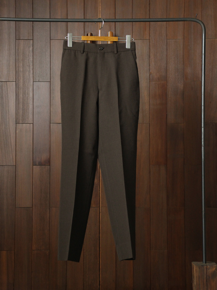 MARKAWARE STRAIGHT FIT TROUSERS #TOP BROWN