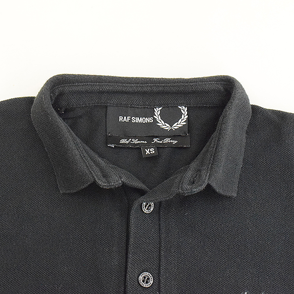 aad322e1 ... RAF SIMONS X FERD PERRY rough Simmons X Fred Perry one point embroidery  short sleeves polo ...