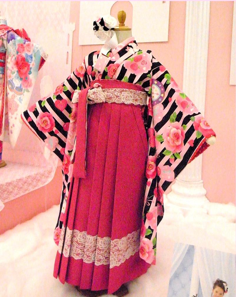 七五三着物七歳新作 SEIKO MATSUDAセイコマツダ /7歳女の子着物・女児ブランド着物 安心フルセット和服袴セット!(3)♪プリティローズ♪