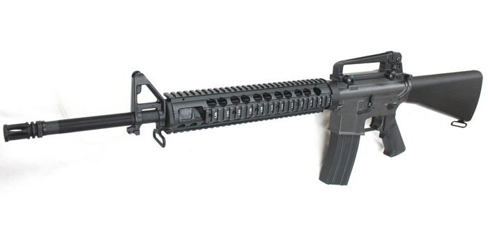 CYMA電動ガン・FN M16A4 M5RAS