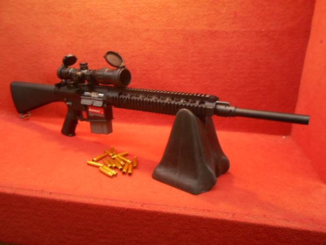 RARE ARMS KNIGHT'S SR-25 ライブカート CO2ガスブローバック