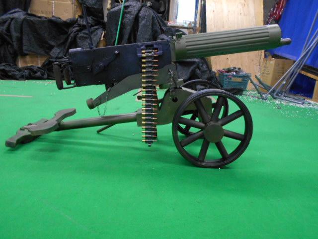 マキシム重機関銃 車輪銃架付き 電動ガン