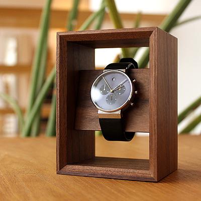 勝負の1本を引き立てるウォッチスタンド ■木製腕時計スタンド Display for ついに入荷 今季も再入荷 Frame Watch
