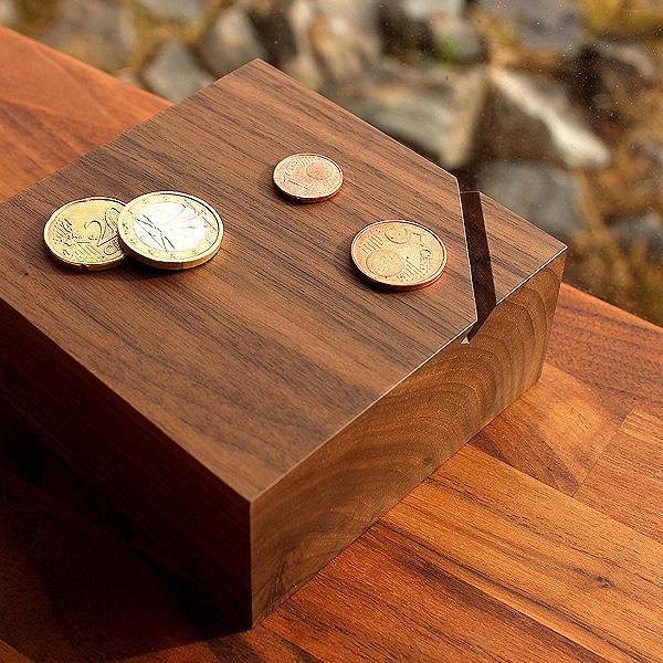 【名入れ可能】インテリアに最適、オブジェのように美しい木製の貯金箱「Coin Box」。 ■「Coin Box」貯金箱 おしゃれ 木製 コインバンク 500円玉