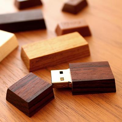 名入れ可能 チョコレートみたいにかわいい小さな木製USBフラッシュメモリ ■ 16GB Chocolat ショコラミニ 誕生日プレゼント Mini 木製USBメモリ 超特価