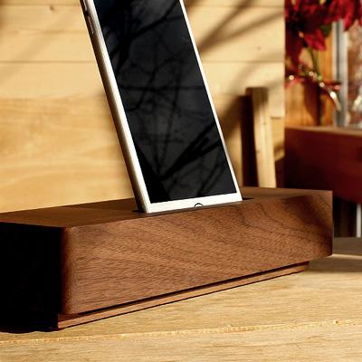 シンプルな無電源スピーカースタンド スマートフォンを差し込むだけでスピーカー内の空洞で音を増幅 未使用品 ■木製スピーカースタンド Speaker Brick Wooden 海外