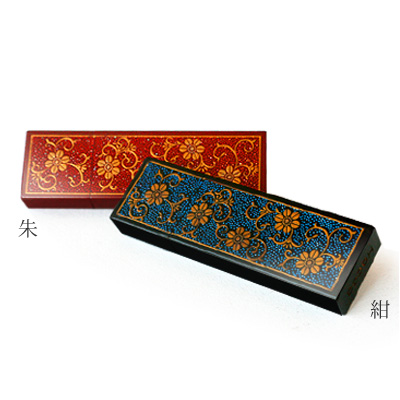 """■ ideal for gifts! Real lacquer with lacquer, painted wooden USB flash drive """"Urushi Chrysanthemum Arabesque 8 GB"""