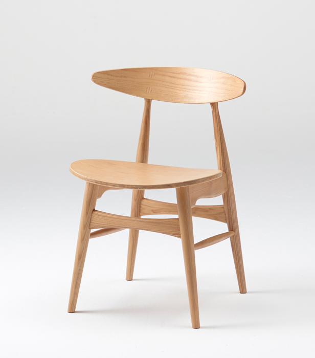 完成品 イス 無垢材 木製 ナチュラル 丸みのあるデザイン モダン カフェ オイル仕上げ かわいい 木製家具 一人暮らし 新生活 ダイニングチェア 椅子 チェア シンプル 背もたれ 玄関 ダイニング リビング レトロ 05P06Aug16