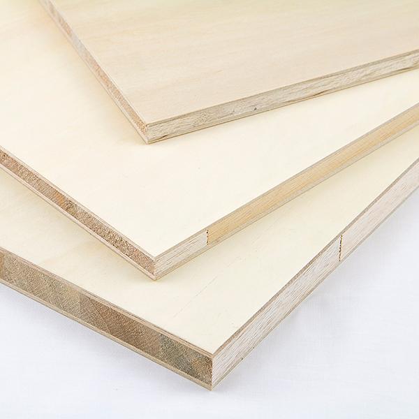 シナランバー パネル18x900x1800(ミリ)(1t)表面( シナベニヤ板 、 シナ 合板)約13.19kg2カットまで無料