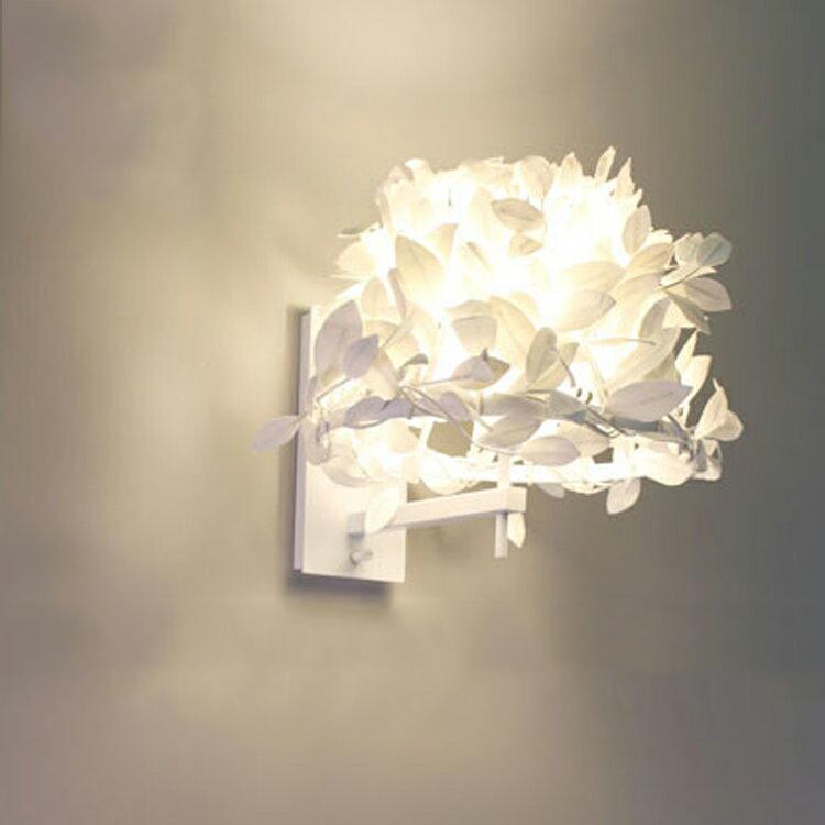 ブラケットランプ 1灯 ペーパーフォレスティ スモール ディクラッセ【ライト ブルックリン ホワイト 白 モノトーン リビング照明 ウォールランプ 壁掛け照明 間接照明 照明器具 北欧 テイスト 光触媒 電気 かわいい 可愛い おしゃれ 新生活】