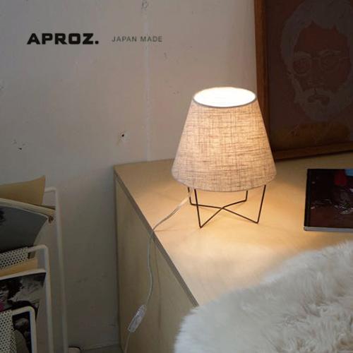 APROZ アプロス ファブリックとシャープなワイヤーベースの絶妙な組み合わせがかわいらしいスタンドライトです 日本製 メーカー公式ショップ アプロス:MUSHROOM LAMP S ファブリックスタンドライト1灯 マッシュルームランプ 照明 間接照明 ベッドサイド ライト スタンドライト 海外並行輸入正規品 置型照明 スチール 寝室 インテリア AZT-104-AB テーブルライト 布