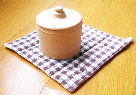 シンプルでかわいい!素焼きの塩ポット 調味料入れ ソルトポット 塩入れ 塩壺 常滑焼 日本製