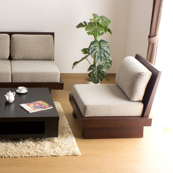 沙发一个席位 / 飞驒日式现代木结构布艺木沙发