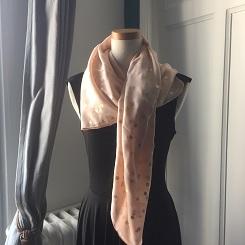 フランス パリ Galaries Lafayetteのスカーフ