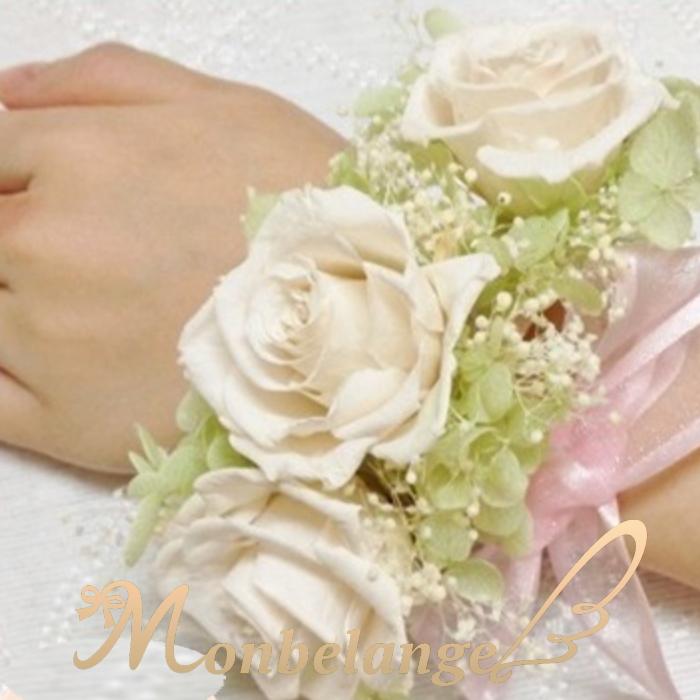 結婚式のキャンドルサービスなど ブーケを持つ事が出来ない時 華やかに手元を飾っていただけます おしゃれ ご希望のお色でアレンジいたします 人気の定番 リストブーケ パーティー 二次会 結婚式 プリザーブドフラワー